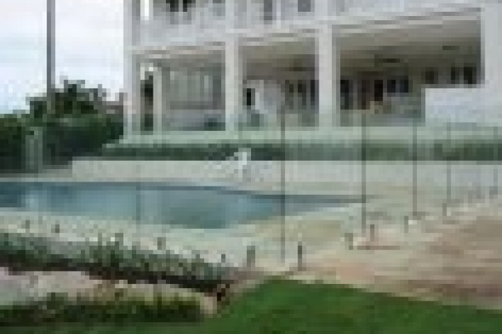 Farm Fencing Frameless glass 720 480