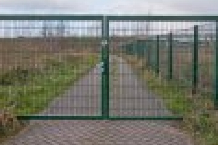 Farm Fencing Weldmesh fencing 720 480